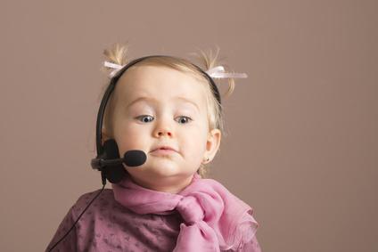 bébé qui téléphone, contactez doula famille